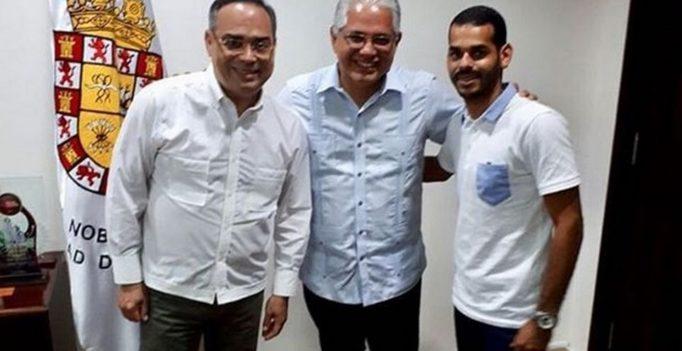 Gilberto Santa Rosa y su hijo están en Panamá