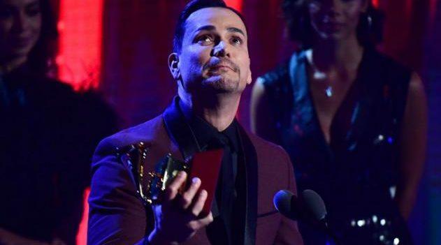 Víctor Manuelle se lleva dos Latin Grammy
